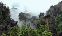 Cloud-Flown Yangjiajie Scenery Pictures